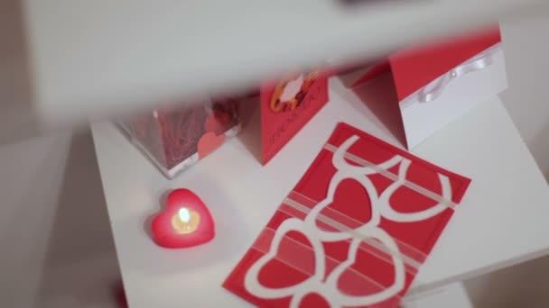 Romantische decoratie van kamer u stockvideo trekone