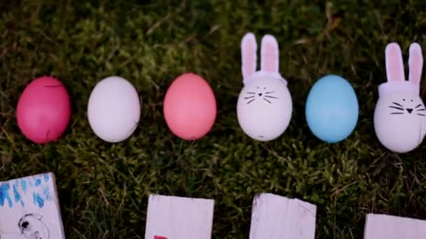 Velikonoční Zajíčci a vajíčka