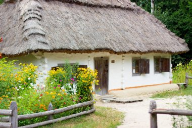 Cottage of wattle and daub