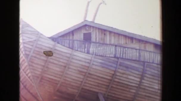 Noemova archa novinka motiv restaurace velký člun