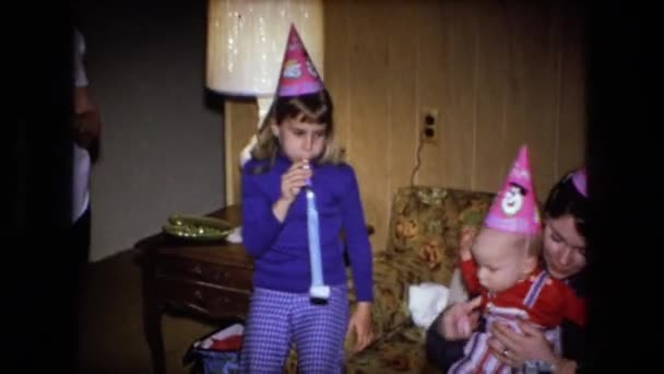 Menschen feiern Geburtstag