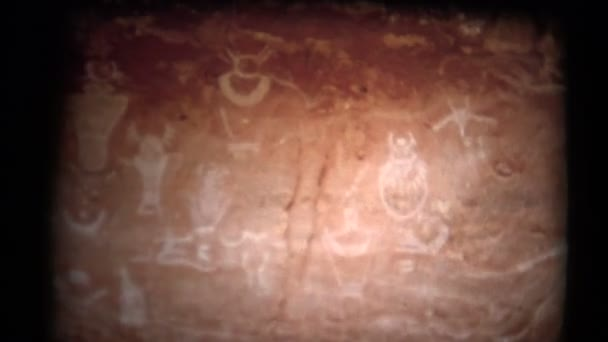 Jeskynni Muz Kresby V Jeskyni Video C Stockfilm 77462639