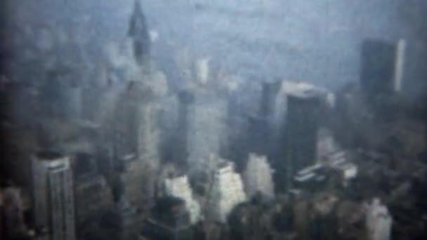 Do centra Manhattanu pohled z Empire State Building