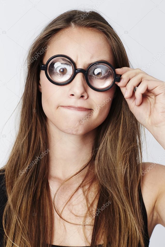 comprare on line a76c1 e02d6 Bella donna con gli occhiali geeky — Foto Stock © sanneberg ...