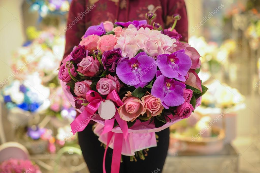 bouquet of mixed pink and purple flowers