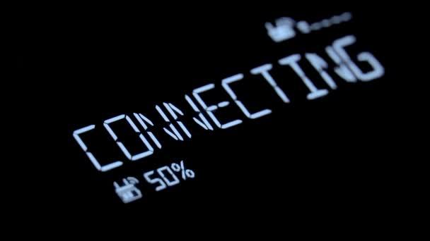 Eine SMS erscheint mit einem dekodierenden fx und einem tiefen Leuchten: Verbinden,