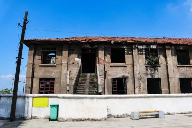 This is the old house waiting to be torn down in the old town