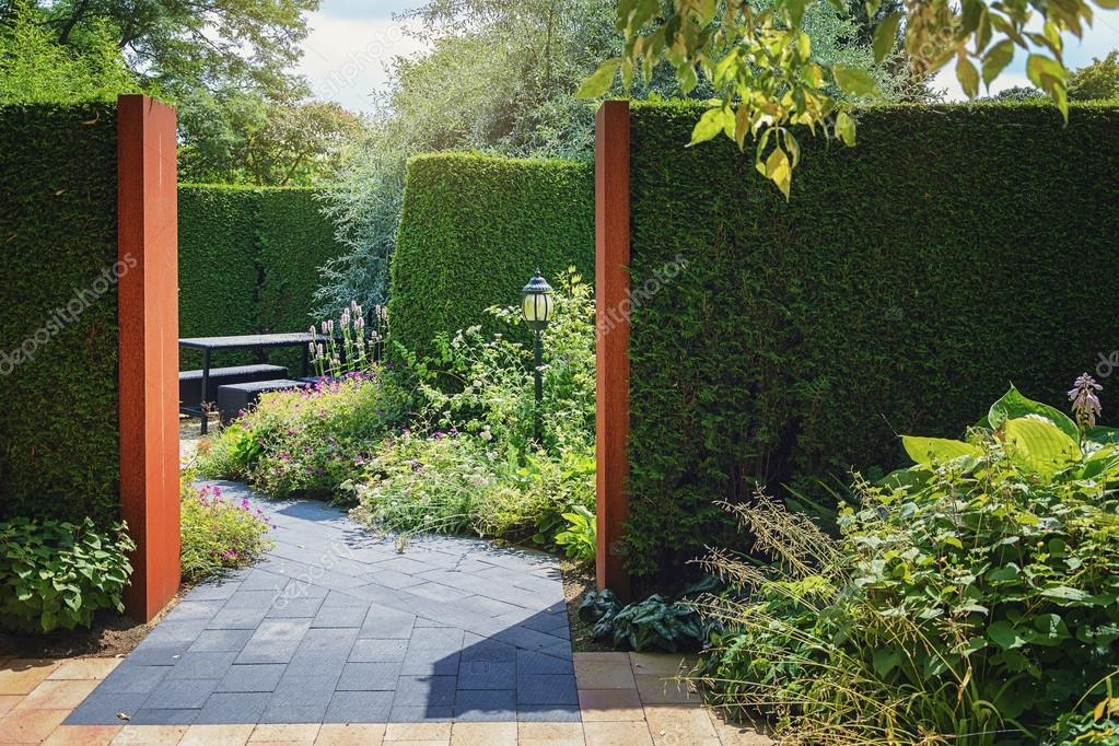 Prachtige tuin idee u2014 stockfoto © julia700702 #108309278