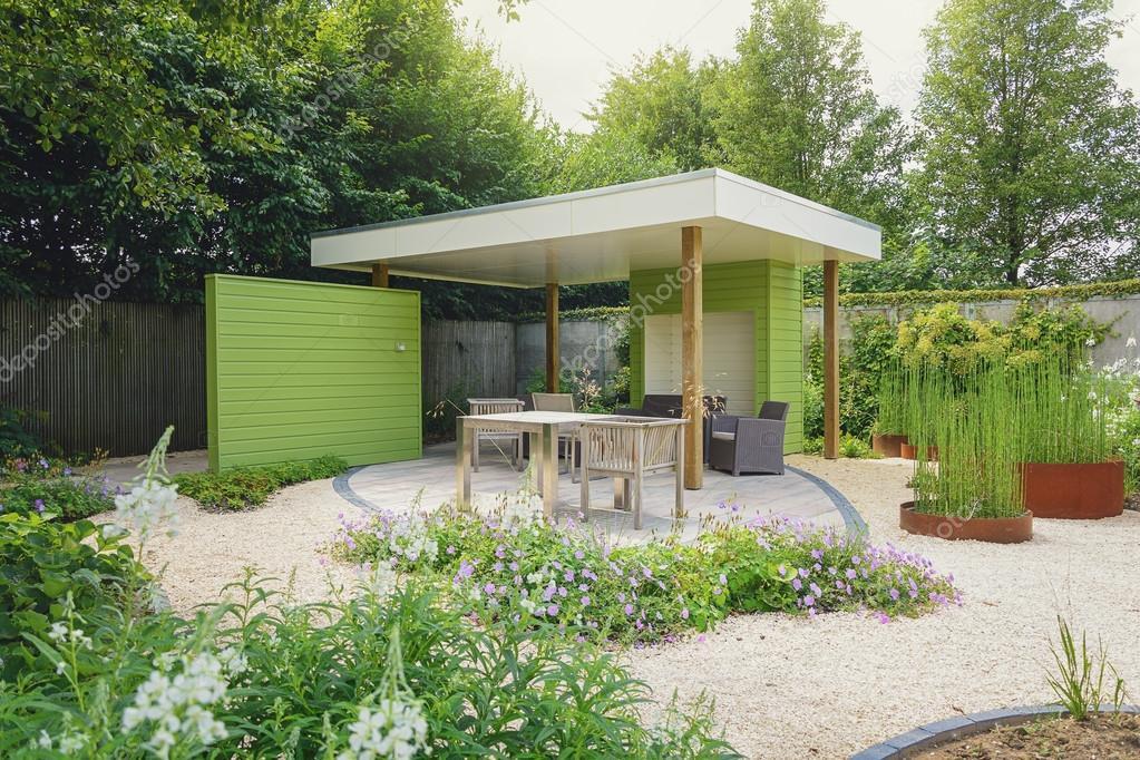 Tuin met terras en overhang versierd met trendy tuin f