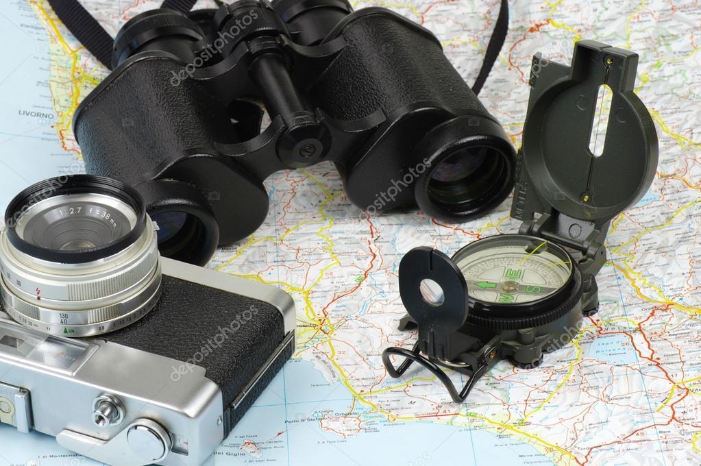 Binoculares, Brújula, Cámara Y Mapa