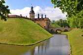 Fotografia Il castello, il fossato e il bastione. Nesvizh. Belarus