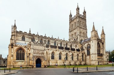 Gloucester Cathedral at dusk