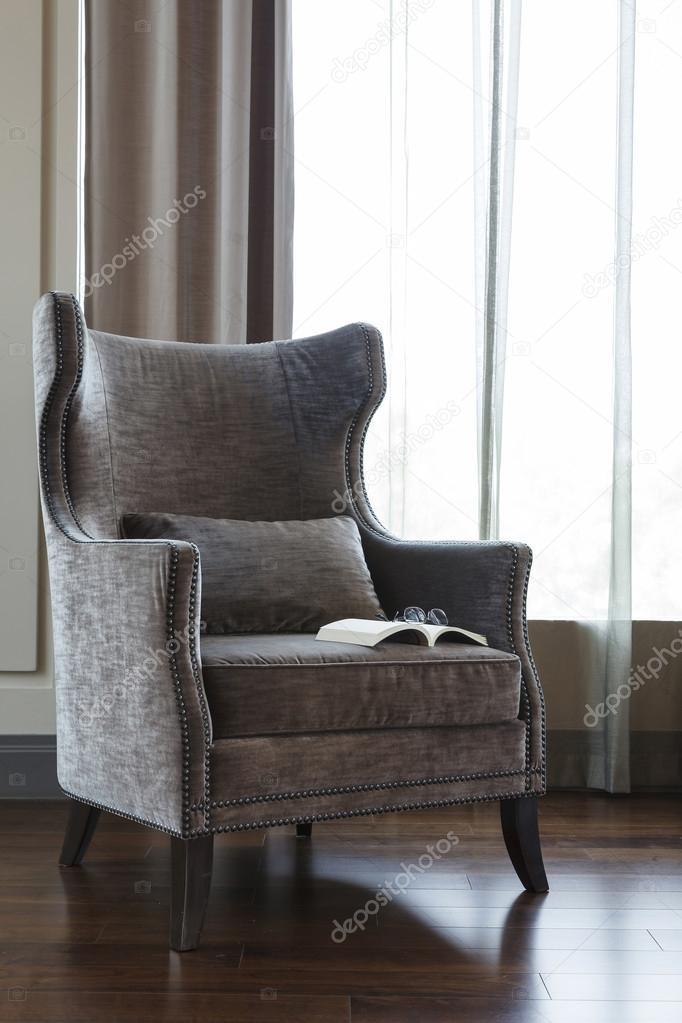 Wohnzimmer Sessel Mit Buch Stockfoto Viteethumb 59839633