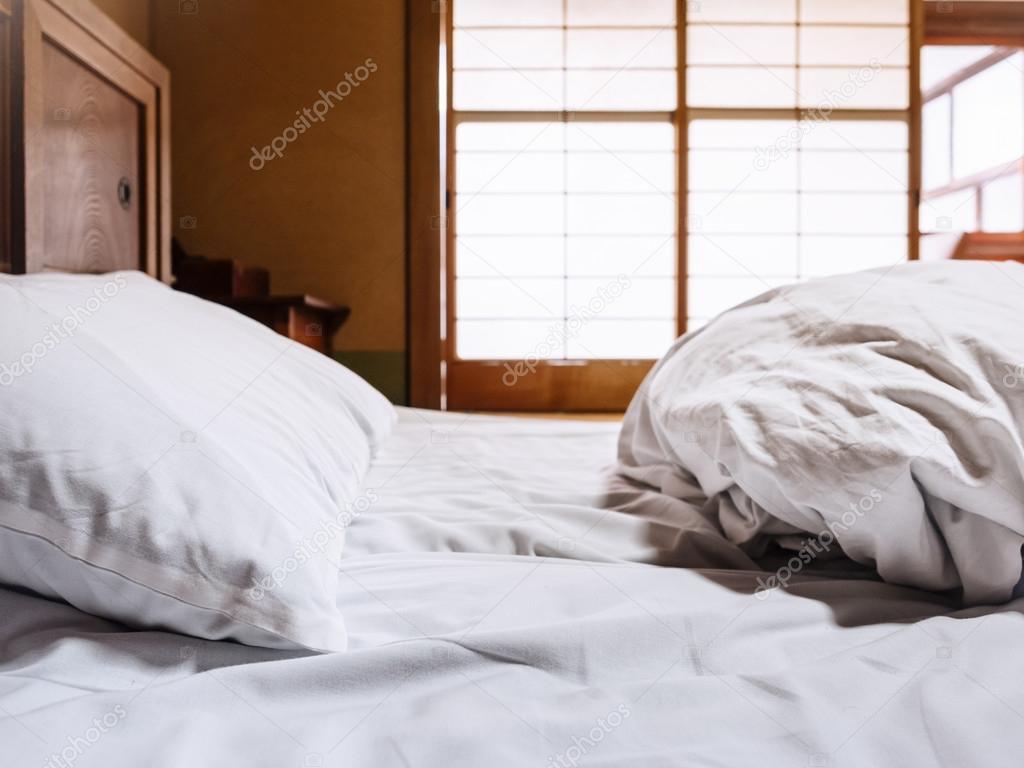 Colchón de hojas con habitación de estilo japonés de Futon de pillow ...