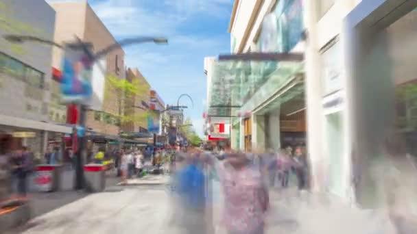 Hyperlapse video z cestování po nákupní ulice