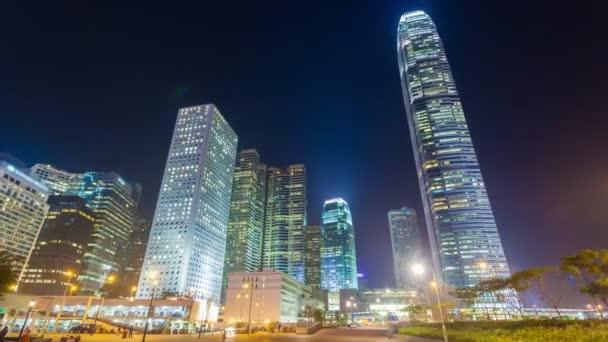 Hyperlapse video cestování směrem k moderní budovy ve městě