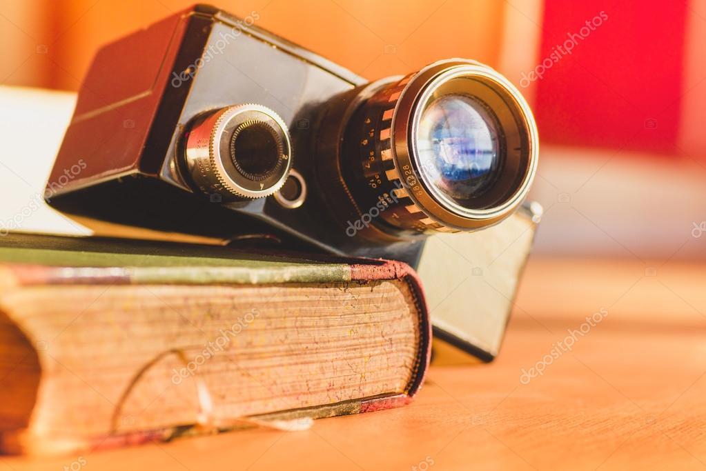 камера под столом видео скачать