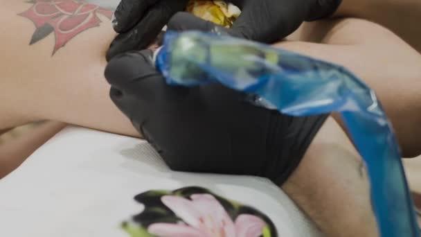 Hogy tattoed nő