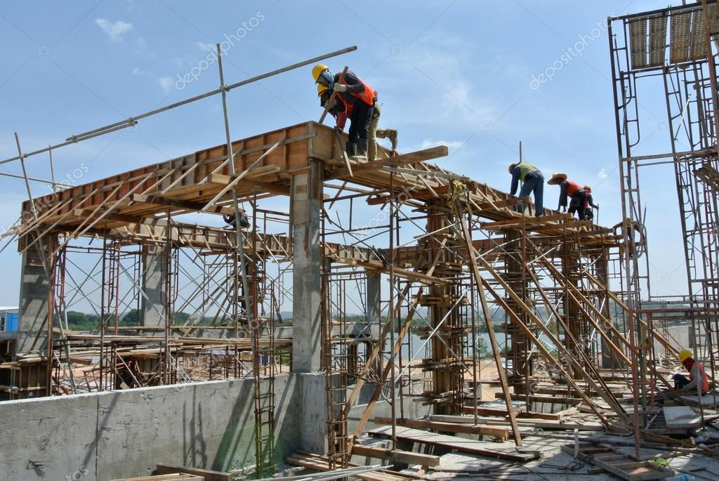 Construction Workers Installing Beam Formwork – Stock Editorial