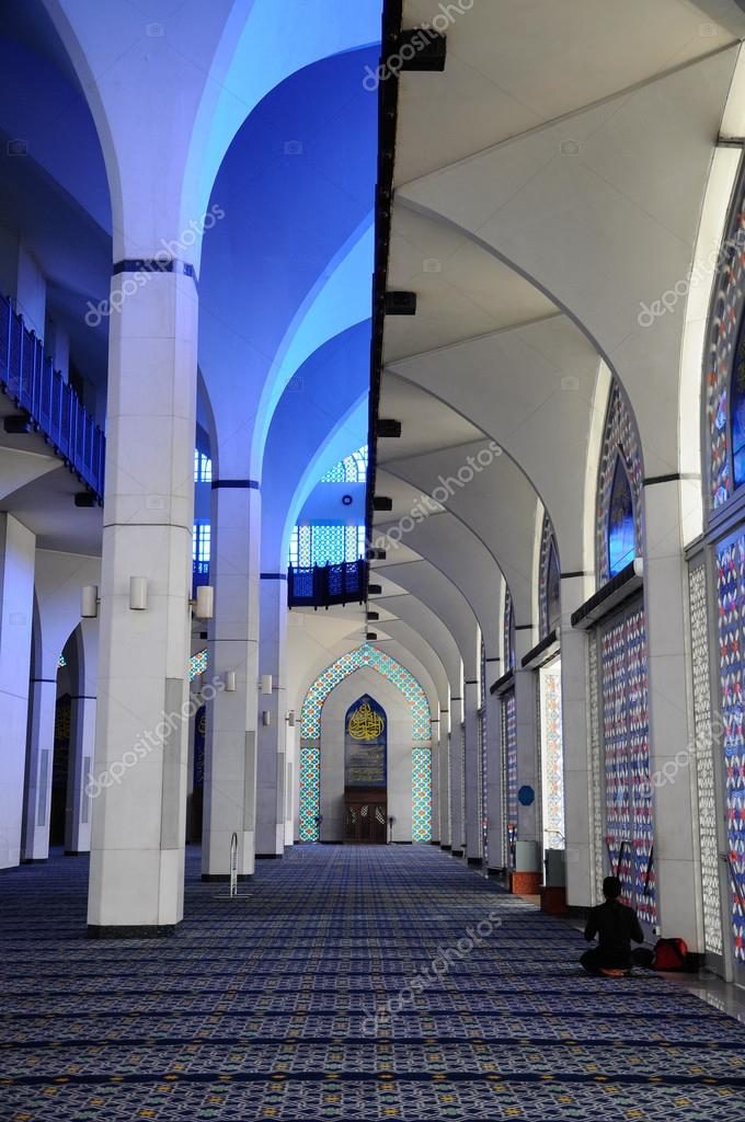 Interior Of Sultan Salahuddin Abdul Aziz Shah Mosque A K A Shah Alam Mosque Stock Editorial Photo C Aisyaqilumar 83645412