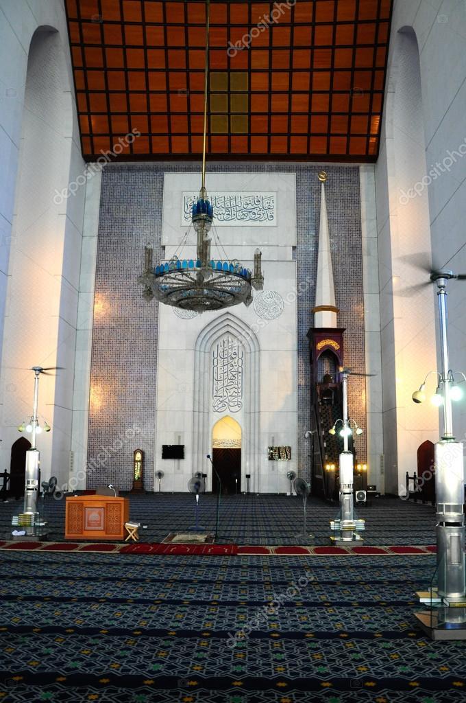 Interior Of Sultan Salahuddin Abdul Aziz Shah Mosque A K A Shah Alam Mosque Stock Editorial Photo C Aisyaqilumar 83646702