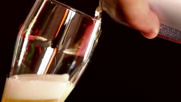 Sör felboríthatja az üveg