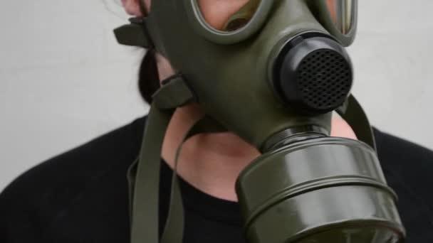 Plynová maska na