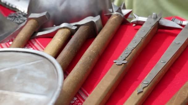 középkori fegyverek