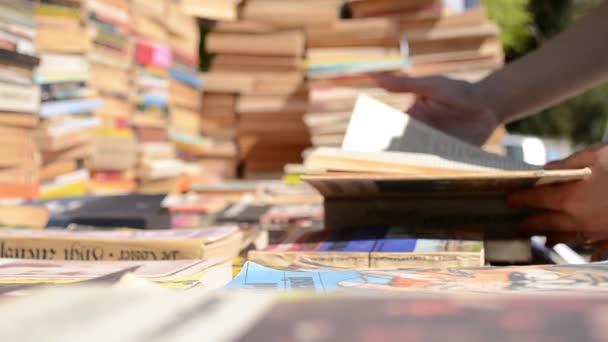 Szedés egy régi könyv, és a Tallózás