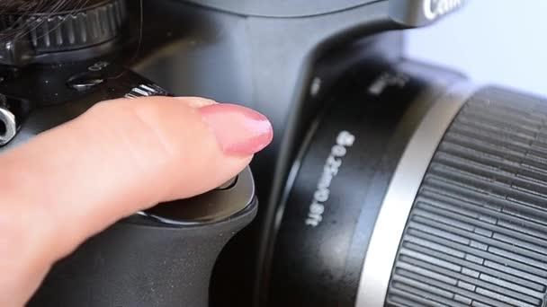 Stisknutím spouště fotoaparátu fotografie