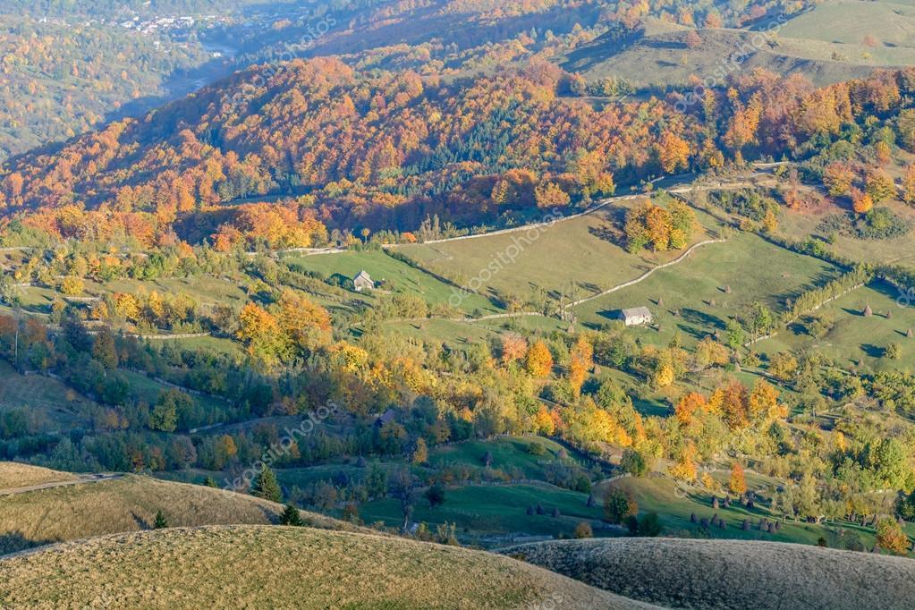 Immagini Autunno In Montagna Paesaggio Di Montagna