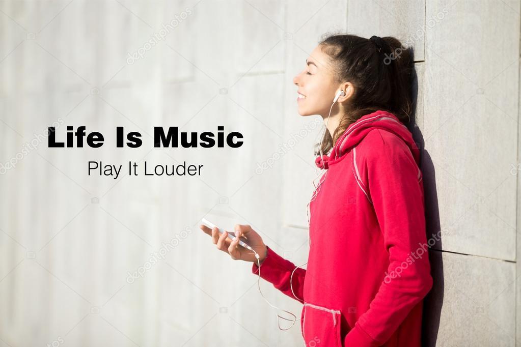 La Vida Es Música Juega Más Fuerte Foto De Stock Fizkes