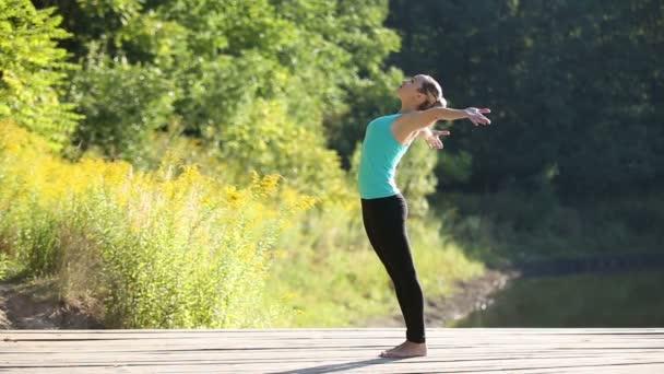 venkovní jóga praxe