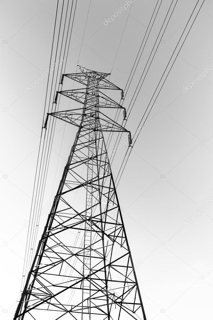 Elektrizität Mast mit Draht-Leitung — Stockfoto © aon168 #110258018