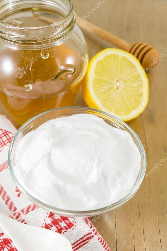 Здоровое питание: смесь лимона, проросшие пшеницы, грецкие орехи.