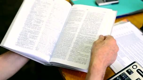 Překlopení knihy slovník