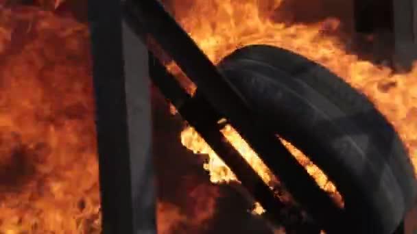 Detail svítící v požár pneumatiky