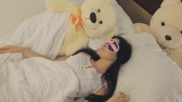 mladá žena spící