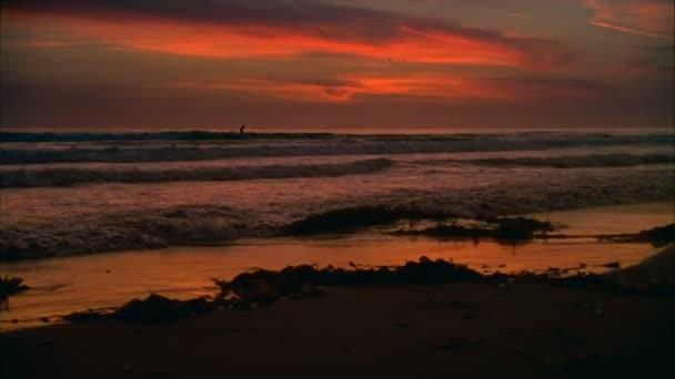 16 mm-es California szörfös