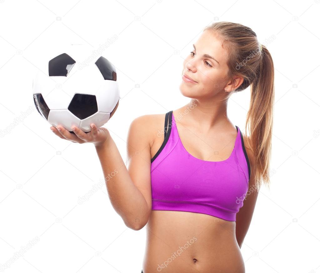 Mujer joven fresca con pelota de Futbol — Foto de stock © kues  62183243 55cf163cca616