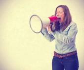 Photo young woman shouting by megaphone