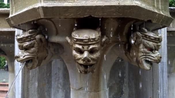 Starověké vodní fontána.