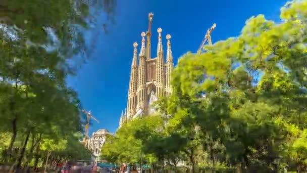 La Sagrada Familia timelapse hyperlapse - a lenyűgöző katedrális, Gaudi által tervezett, Barcelona, Spanyolország