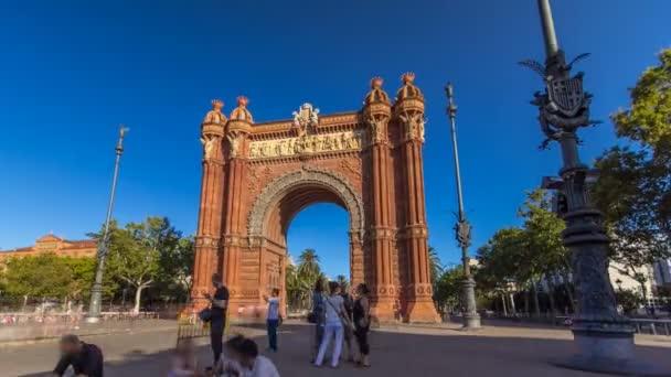 Arc de Triumf timelapse hyperlapse: Larc de Triumph, v Barceloně, Španělsko