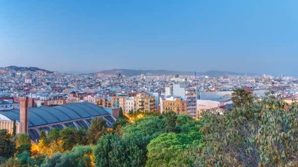 Pohled z kopce Montjuic Barcelona den na noční timelapse, Katalánsko, Španělsko