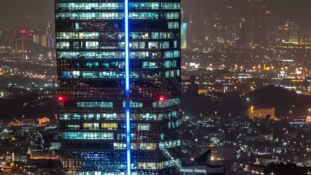 Malebné letecký pohled moderní velkoměsta v noci timelapse. Obchodní bay, Dubaj, Spojené arabské emiráty
