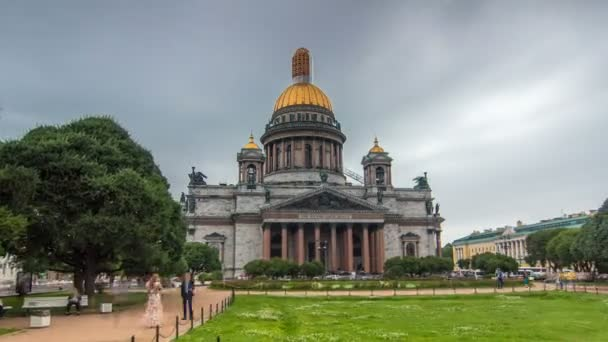 St. Isaac Cathedral timelapse hyperlapse in Saint-Petersburg, Russia. Sityscape