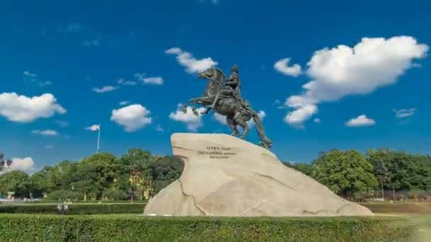Pomník ruského císaře Petra Velikého, známý jako The Bronze Horseman timelapse hyperlapse, Petrohrad, Rusko