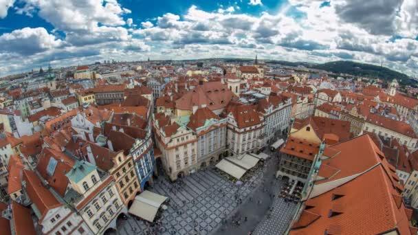 vzdušný panoramatický výhled na čtvrť Staroměstské náměstí od vrcholu radnice v Praze