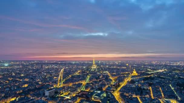 Pohled na Paříž a Eiffelova věž Montparnasse tower timelapse soumraku, Francie